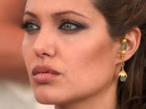 angelina joli lips are they real picture 1