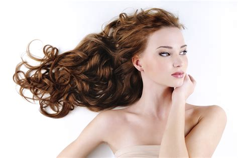 a salon who deals with curly hair picture 9