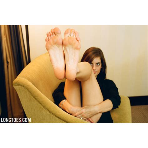 long toes hania s picture 7