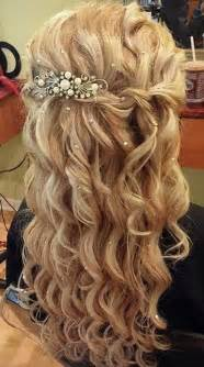 Prom hairstyles for curly hair picture 2