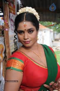 very fat saree south indian aunties hot blogs picture 1