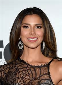 roselyn sanchez with lipgloss on picture 7