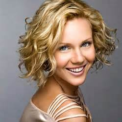 curly wavy hair chin length picture 15