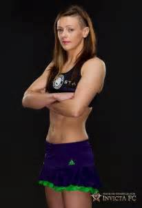 muscular women mixed fight picture 7