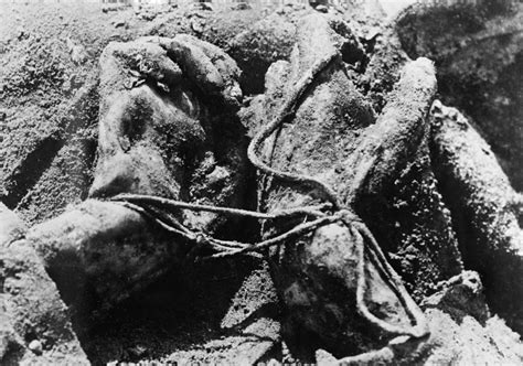 women soldiers tied up picture 13