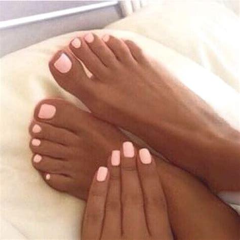 dark skin on feet picture 3