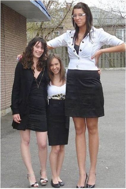 very tall women stories picture 5