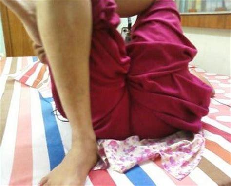 bhabhi sleeping showing her gaand in salwar picture 4