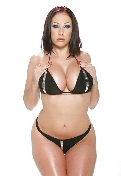 full weight bbw chest bouncing picture 2
