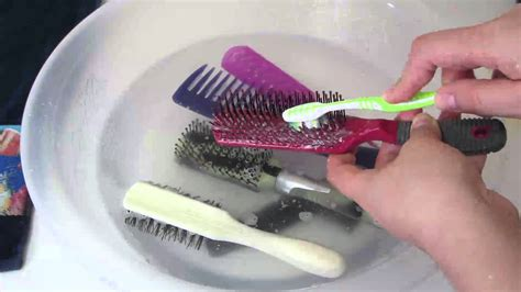 cleaning of hair brushes picture 1