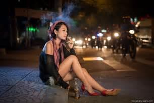 celebrity women that smoke picture 11