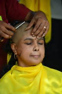2014 indian women head shave picture 5
