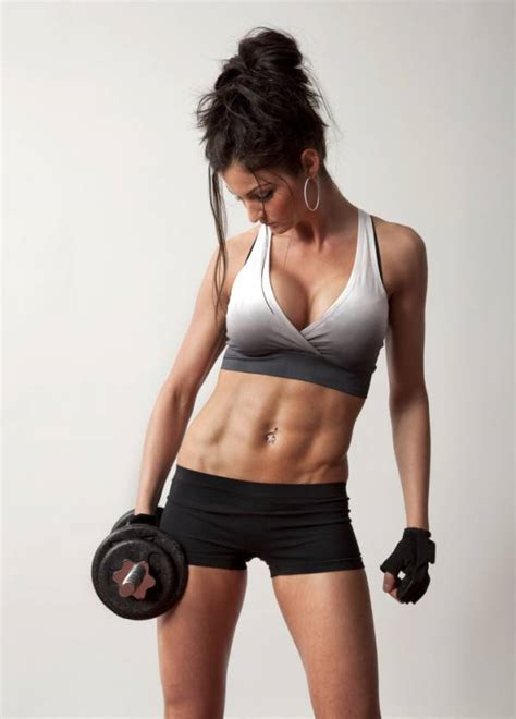 average man can bench press woman picture 10