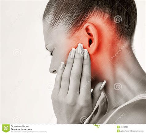 chroic ear pain twinge picture 10