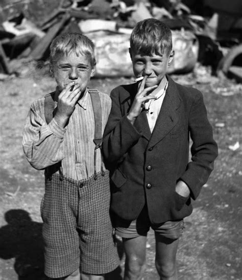 youth boys that smoke swf picture 5