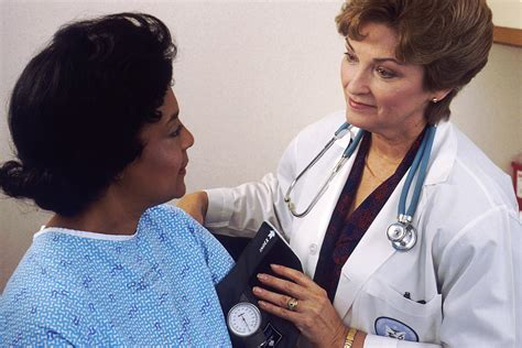 doctor women male patient picture 6