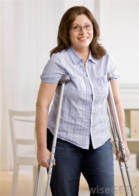 women crutching picture 10