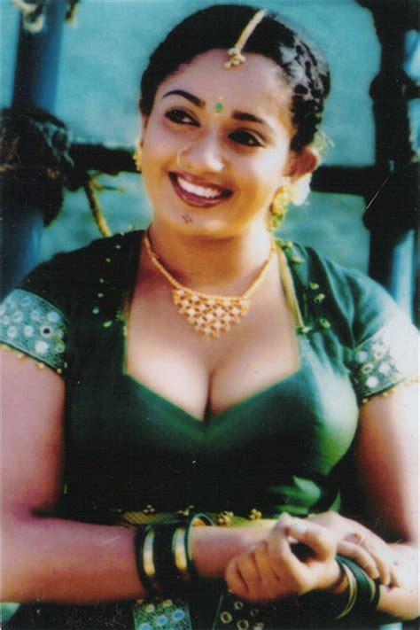 malayalam aunty actress picture 13