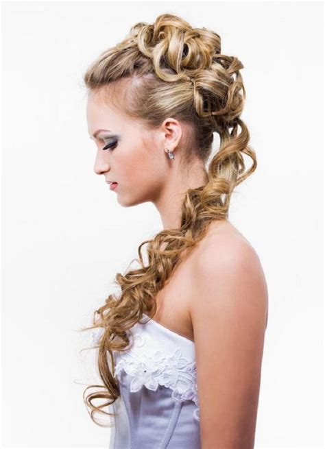 curly prom hair picture 15