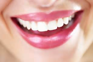 whiten teeth naturally picture 1