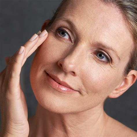dry skin on legs after menopause picture 3