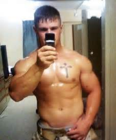 shower muscle men picture 6