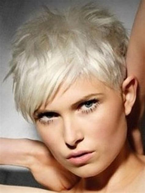 short hair cuts for woman picture 15