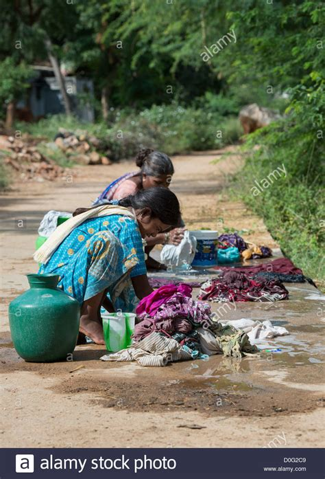indian women washing cloth picture 13