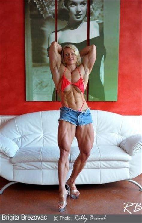 women bodybuilding wrestling picture 11