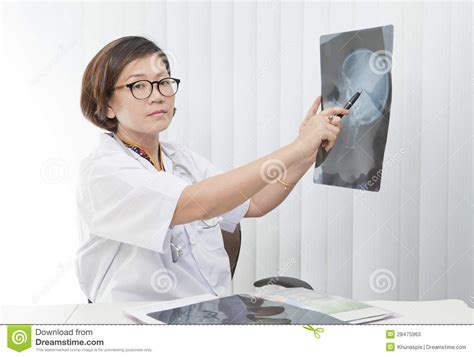 watch women doctor picture 5