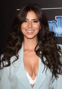 roselyn sanchez with lipgloss on picture 6