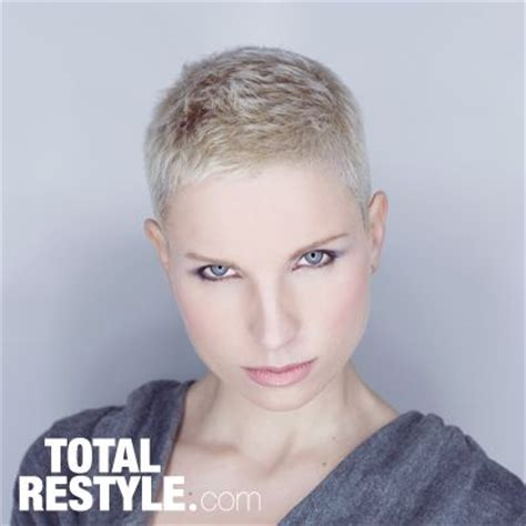 short hair cuts for woman picture 9