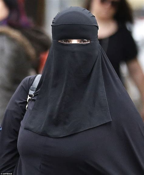 pictures of fat arab niqab picture 1