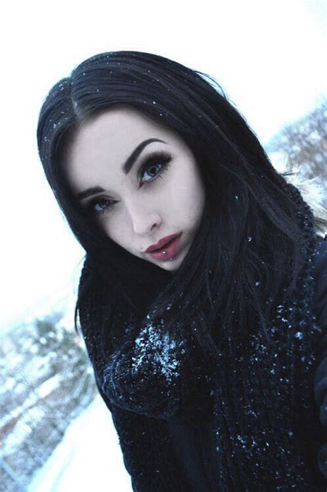 black hairplement pale skin picture 1