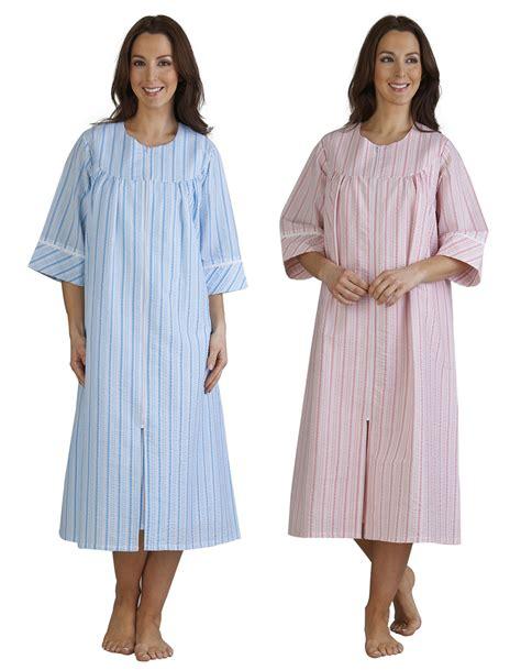 womans seerer sleepwear picture 1