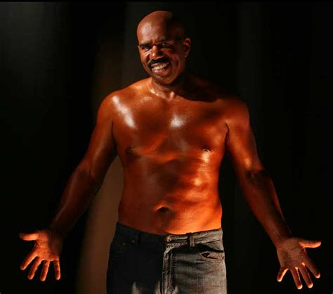 steve harvey cutting fat from stomach picture 2