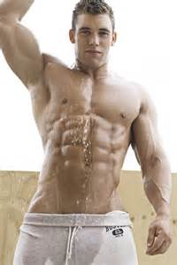shower muscle men picture 2