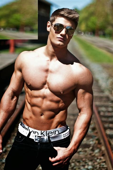 febuary 2015 male fitness model picture 9