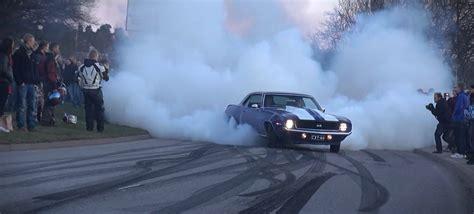 cars making smoke picture 9