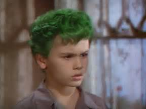 the boy with green hair picture 1