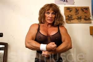 smother women bodybuilder picture 3