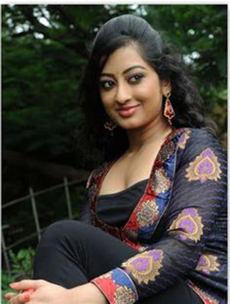 badi sister ko karachi mein choda picture 8