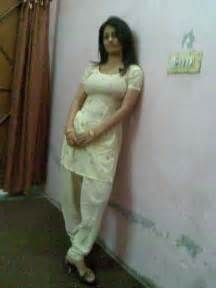 pakistani girls tight salwar body visible picture 3