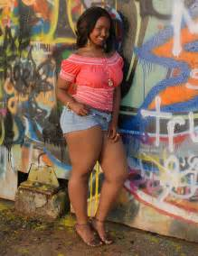 thick sa women picture 1