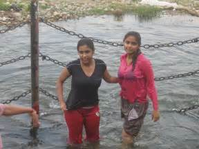 desi women bathing picture 18