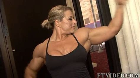 female bodybuilder wrestling in popscreen picture 11