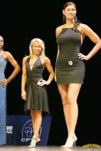 minigiantess woman amazon vs small man picture 5