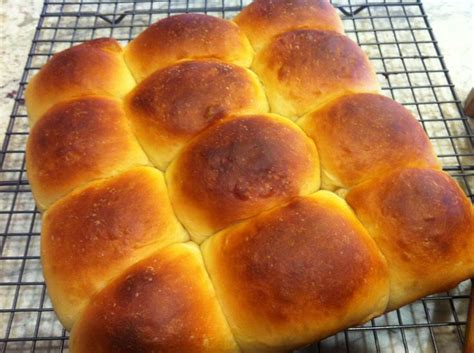 yeast dinner rolls picture 5