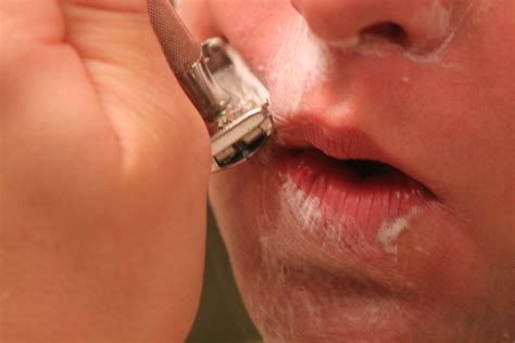 shaving lips picture 1