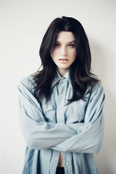 black hairplement pale skin picture 9